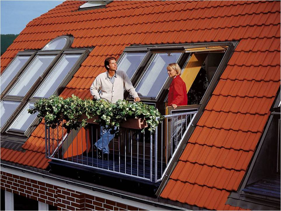 Балкон на крыше дома фото.