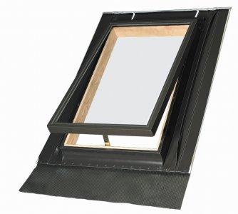 okna-lyuki-wgi-s-kryshkoj-osnashchennoj-steklopaketom
